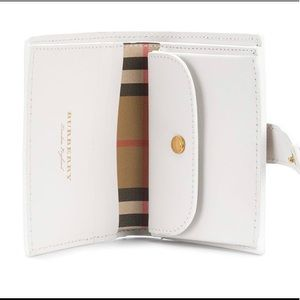 Burberry wallet, never used, comes with box, NWT